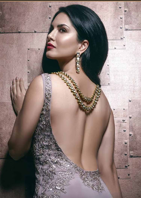 Sunny Leone is burning hot in this photo