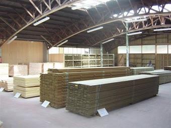 destockage dans le magasin d'usine Latisse en Dordogne