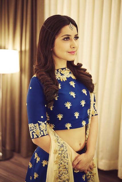 Rashi khanna hd stills at south scope life style awards 2016