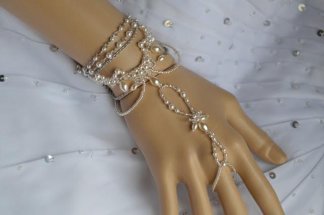 bracelet perlé blanc