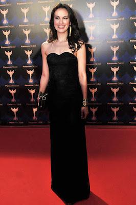 Bodicon Dress Sophia Latjuba hitam manis dan seksi
