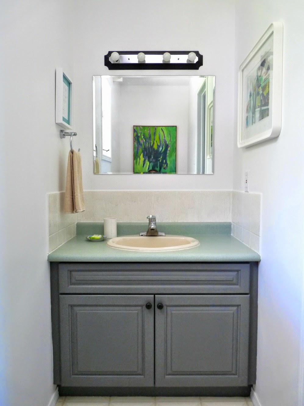 Half Bathroom Makeover Dans Le Lakehouse