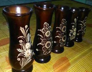 Vas bunga;contaoh karya seni 3 dimensi sebagai benda hias atau pajangan