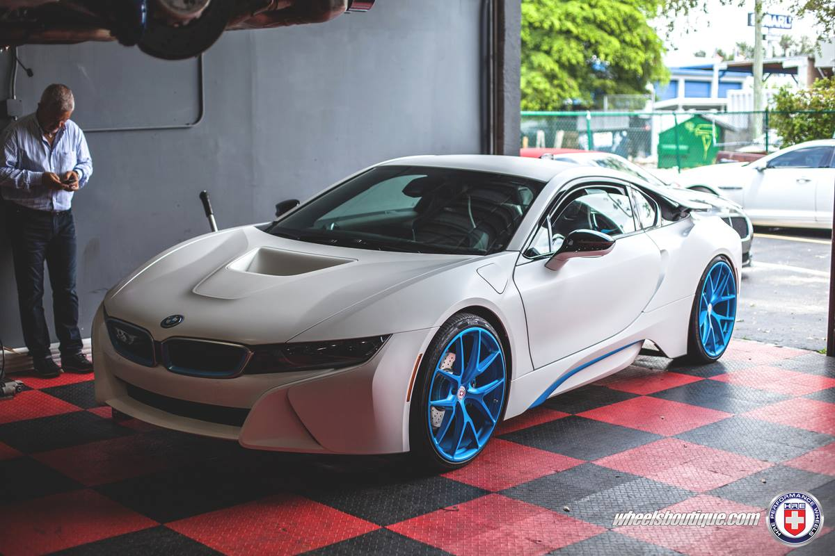 Soulsteer Com Bmw I8 Gets Frozen Ilectric Blue Hre P101