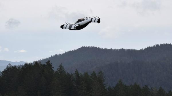 مؤسس جوجل لاري بيج يستعد لإطلاق السيارة الطائرة BlackFly