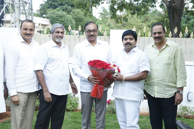 "Dasari Kiran Kumar congratulates Pushkur Rammohan who is appointed as chairman of TSFTV and TDC!  Telangana State Film, TV and Theater Development Corporation (TSFTV and TDC) has been appointed Chairman of Telangana state by prominent producer Puskur Rammohan. Prominent producer Dasari Kiran Kumar, camera-producer-director S Gopal Reddy, producers p. Satya Reddy, Langala Buchi Reddy, 'Multidimensional' Vasu and other celebrities congratulated him. Speaking on the occasion, Dasari Kiran Kumar said, ""The Telangana government has appointed a good idea for the development of the Telugu film industry. Pushkur Ramaohan's appointment as chairman of TSFTV and TDC will help in the development of Telugu cinema, ""he said."