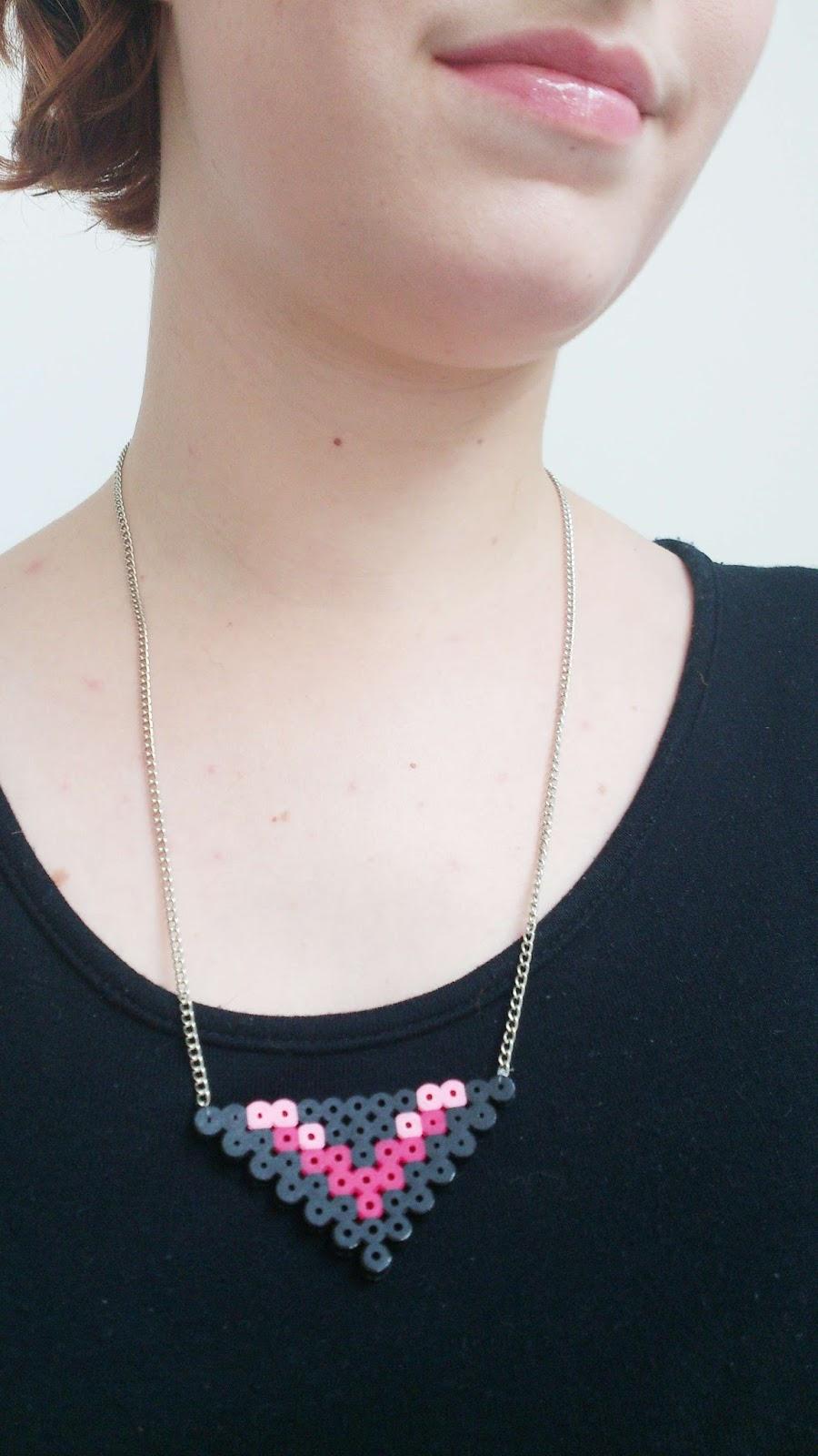 bijoux en perles hama geometrique