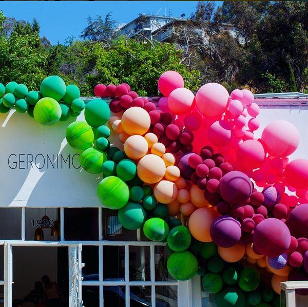http://www.geronimoballoons.com/