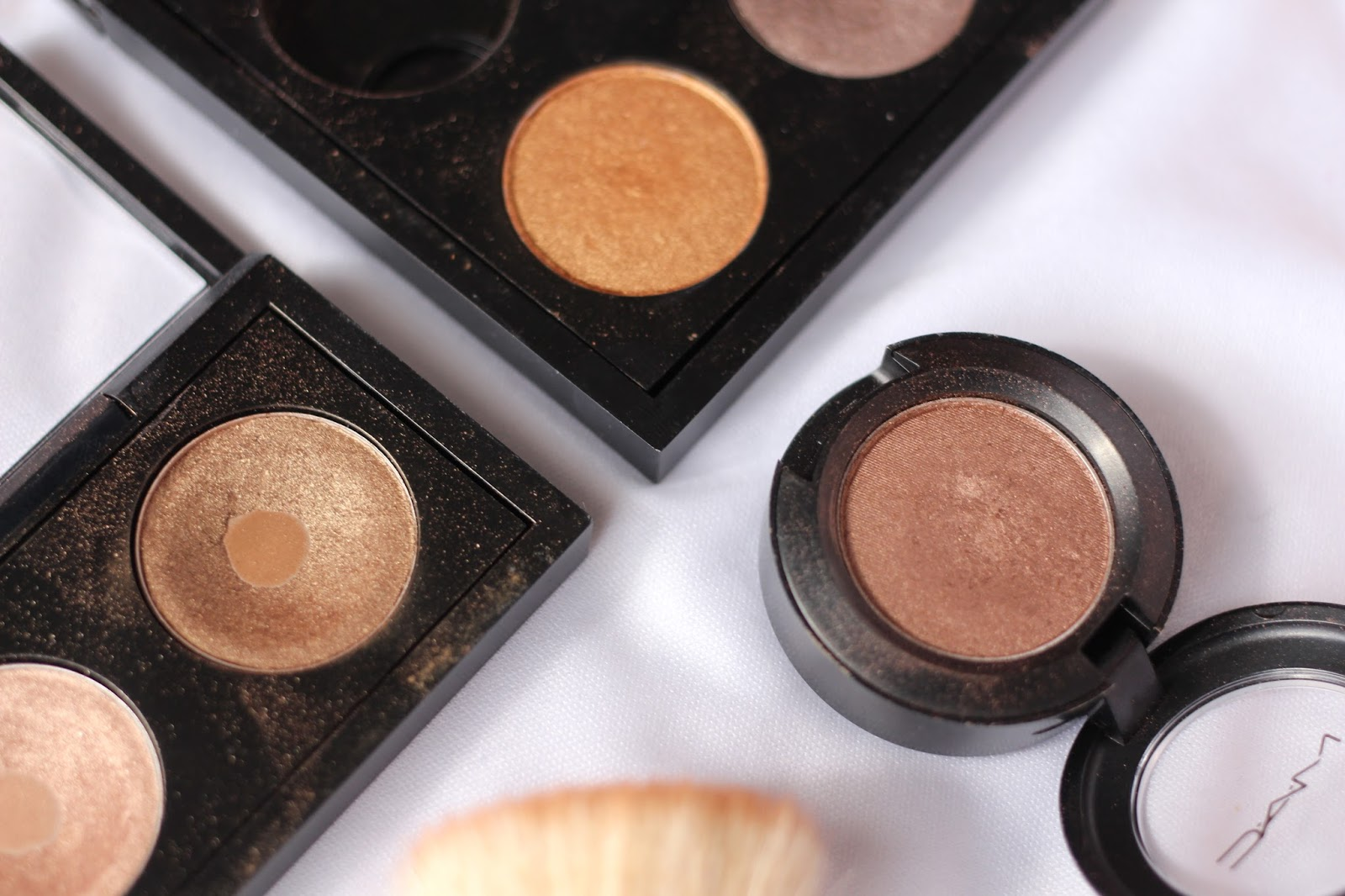 top 3 mac eyeshadows for green eyes | beauty and the bird