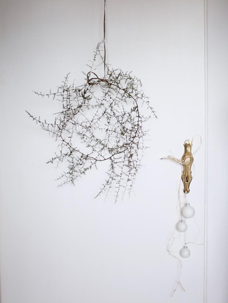 Asymmetrical wreath via Anastasia Benko