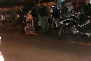 Colisão entre carro e moto deixa uma mulher ferida na PB