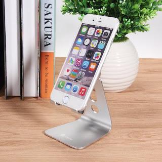supporto da scrivanina in alluminio di design scontato su amazon con coupon