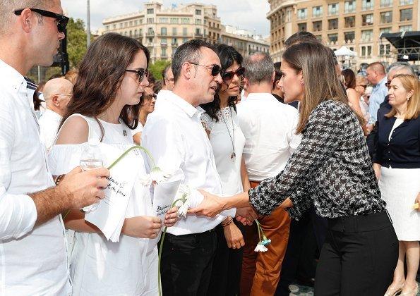 King Felipe and Queen Letizia at memorial ceremony for victims of Barcelona and Cambrils terrorist attack. Carolina Herrera