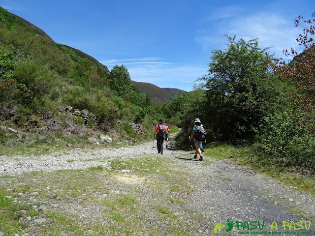 Ruta al Mustallar: Unión de los caminos de Piornedo y los Gallegos
