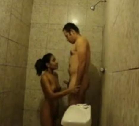 Empreguete Vadia No Banho Com O Patrao
