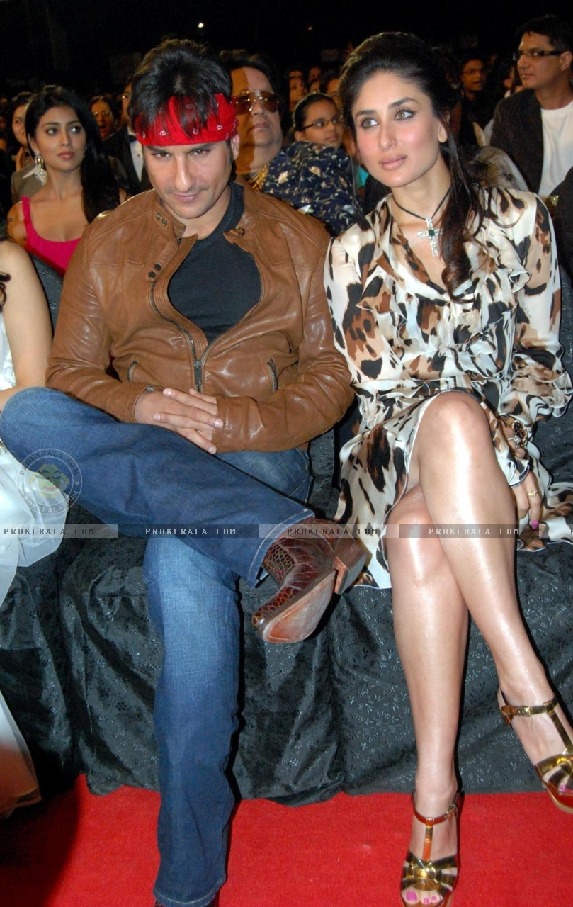 Kareena Saif Ali Khan Making Love Photo | gnewsinfo.com Saif Ali Khan Wife Details
