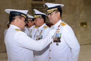 Presiden Beri Bintang Penghargaan Kepada 5 Perwira TNI AL - Commando