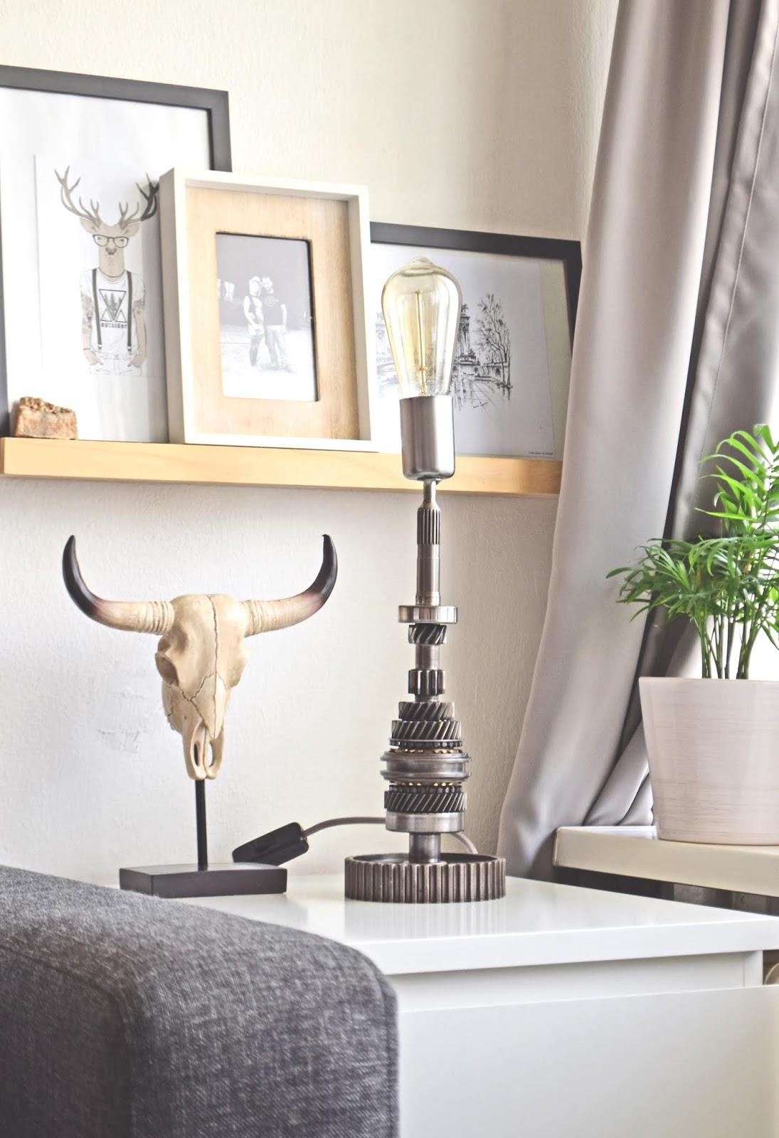 Lampa stołowa do wnętrza