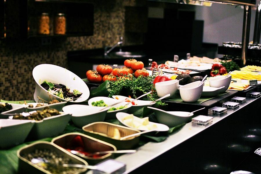 breakfast buffet melia sarria hotel