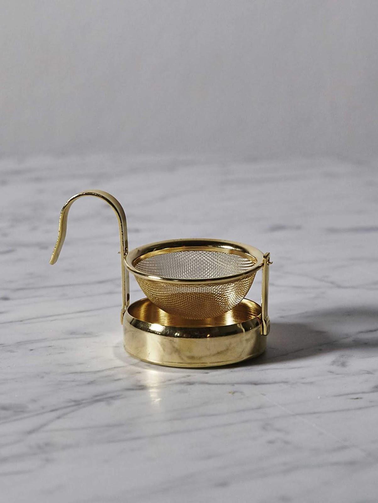 Złote sitko do herbaty