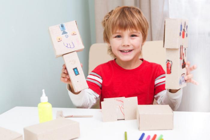 Trẻ nhỏ và tầm quan trọng của sự gắn bó trong việc tạo dựng mối quan hệ với mọi người