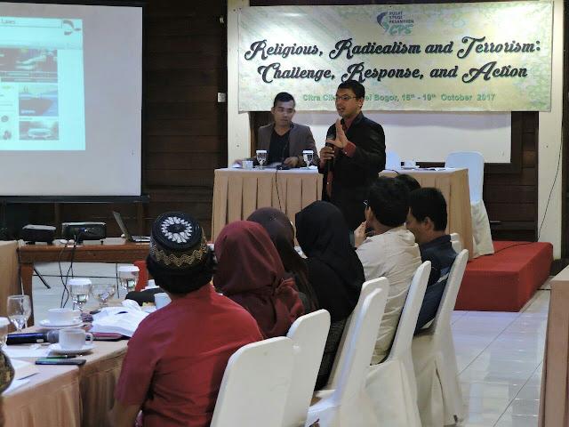 Ehsan Shahwahid dari Islamic Renaissance Front (IRF) Malaysia dalam Asia Interfaith Forum di Bogor, Selasa (17/10/17)