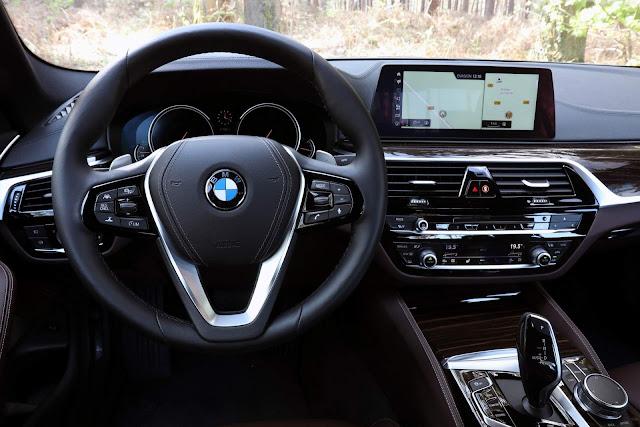 BMW Série 5 2018 - painel de instrumentos