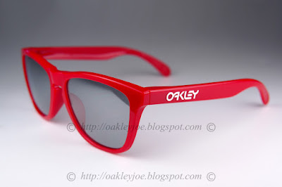 oakley custom frogskins 7c7o  Custom Frogskins red + slate iridium lens $220 lens pre coated with Oakley  hydrophobic nano solution complete set comes with box and microfiber pouch