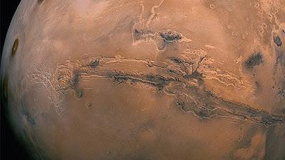 Misteri Kemunculan Awan Jamur di Mars