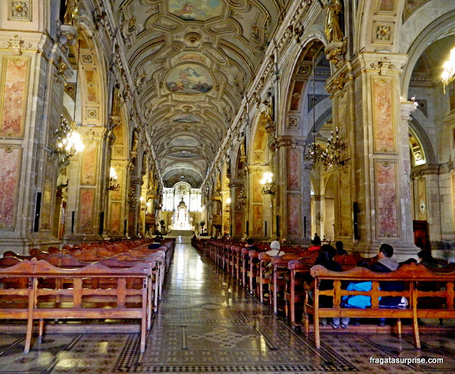 Interior da Catedral de Santiago do Chile