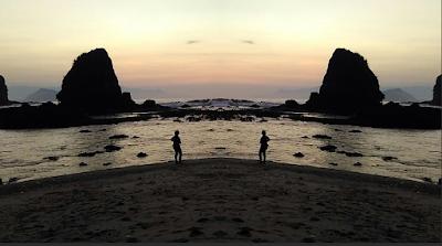 Pesona Pantai Papuma