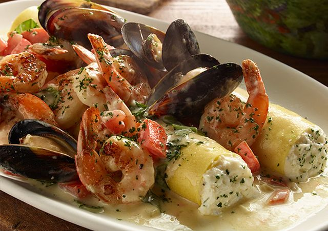 Olive garden offers new giant stuffed pastas brand eating for Olive garden shrimp alfredo price