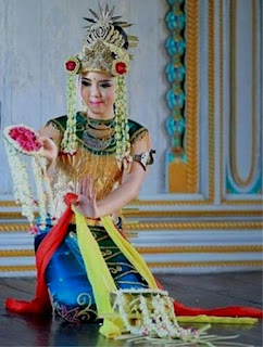Tari Tunggal Nusantara Dan Keterangannya : tunggal, nusantara, keterangannya, Lengkap, Contoh, Tunggal, Beserta, Gambar, Penjelasannya, Cinta, Indonesia