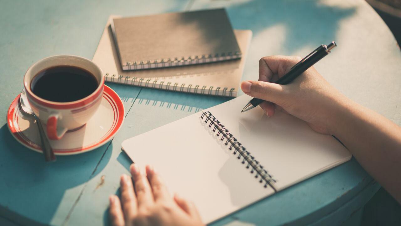 Kumpulan Contoh Surat Lamaran Kerja Untuk Lowongan Kerja Guru dan Perawat