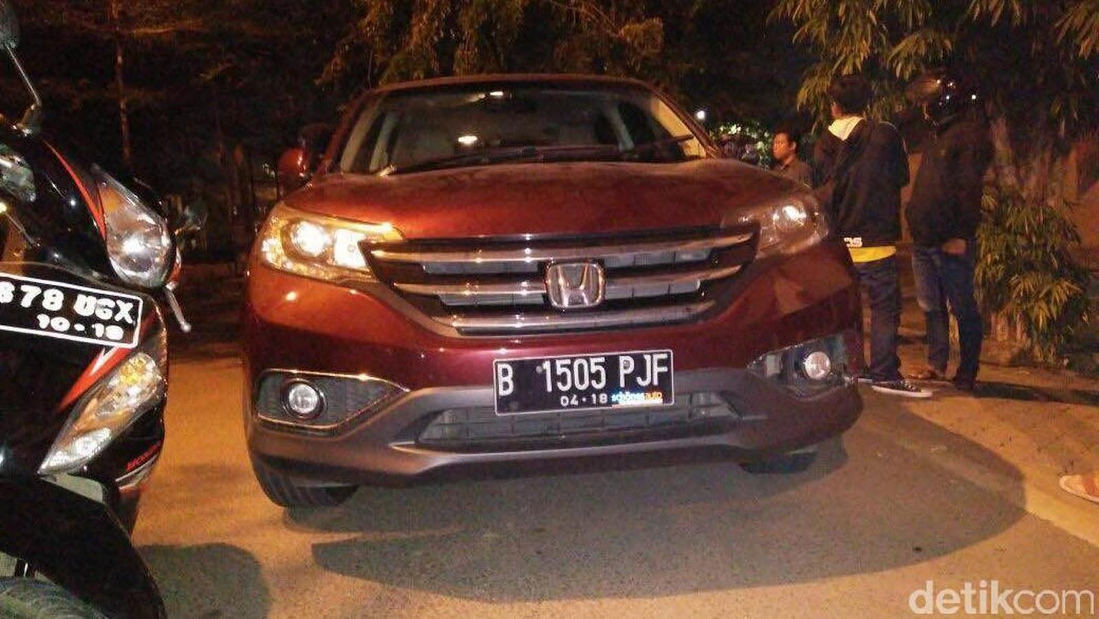 Mobil CRV yang dikemudikan Wong Budi Gunawan