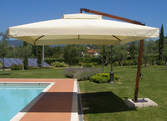 Solero parasols: Cantilever parasols with good comfort for