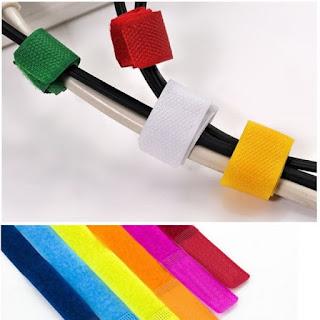 Organizando fios com velcro, um modo fácil e se precisar refazer facilita reaproveitar