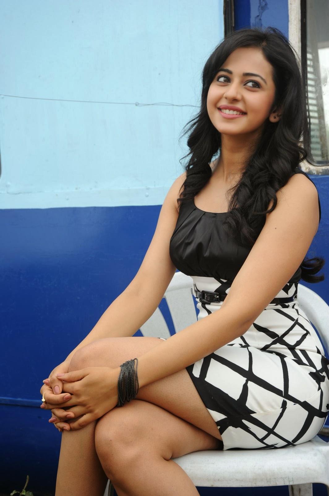Cute and hot Rakul preet singh at movie press meet