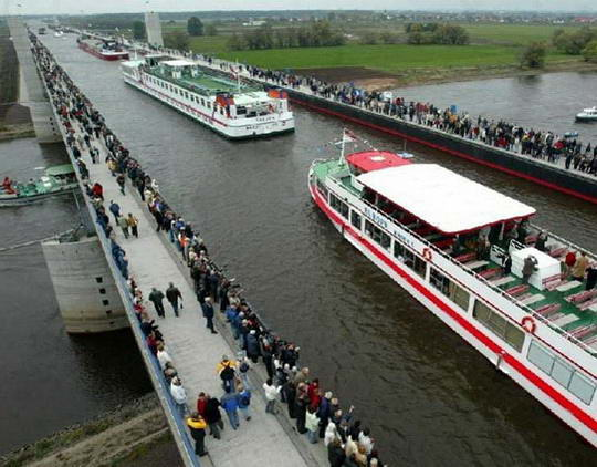 magdeburg water bridge4%255B2%255D Magdeburg Water Bridge, Kemegahan Sungai di Atas Sungai