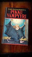 http://villasukkakirjahyllyssa.blogspot.fi/2017/07/angela-sommer-bodenburg-pikku-vampyyri.html