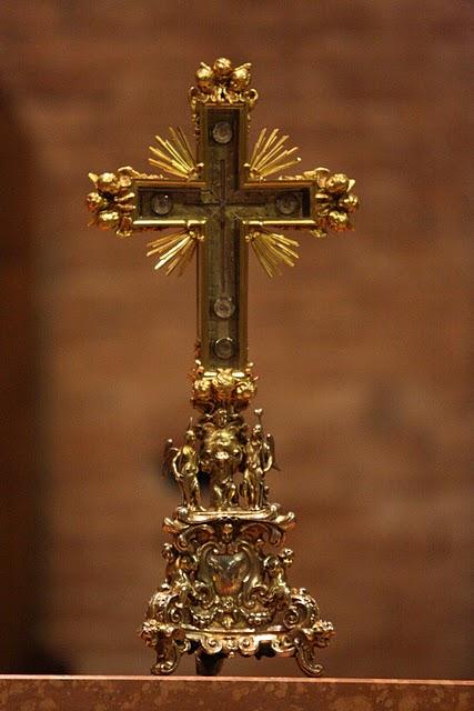Σταυροθήκη με τεμάχιο Τιμίου Ξύλου του Nonantola