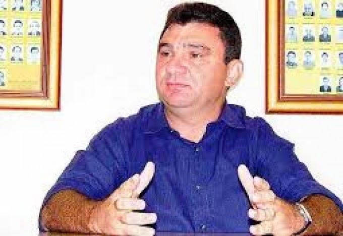 """EX PREFEITO AJUDA """"COMPANHEIROS"""" NA CADEIA"""