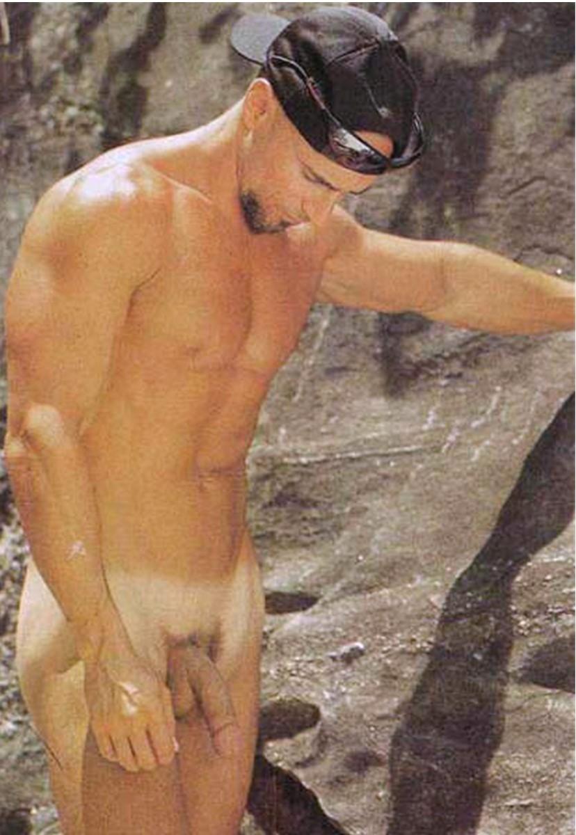 Famous Male Celebrities Nude