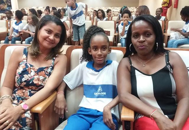 Maria Eduarda, 10 anos e fã do Racionais, vence o Prêmio Jorge Amado na categoria Poesia