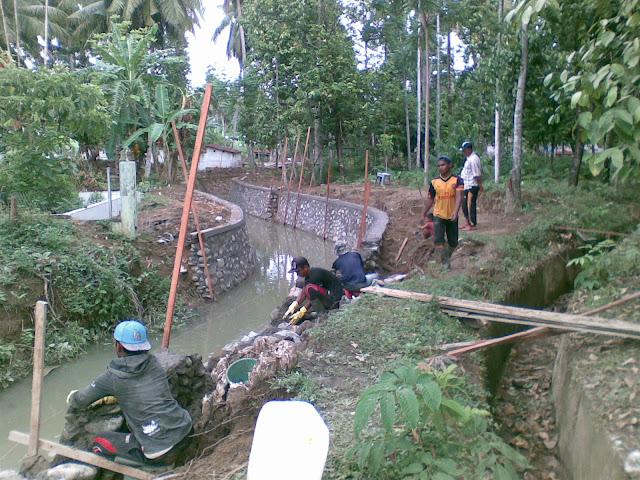 Pembangunan Talud Penahan Tanah 337 Meter