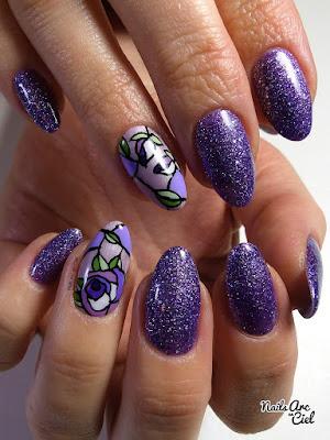Nail art roses effet vitrail. Par Nails Arc en Ciel
