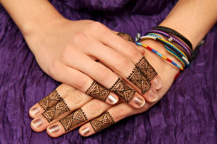 Trendy Ring Mehndi Designs For Hands