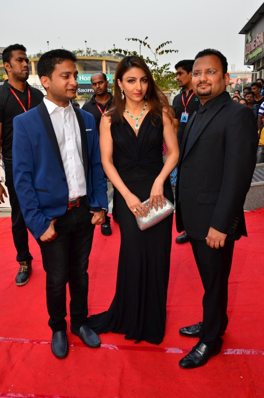 Hindi Actress Soha Ali Khan Photos In Black Dress Mumbai