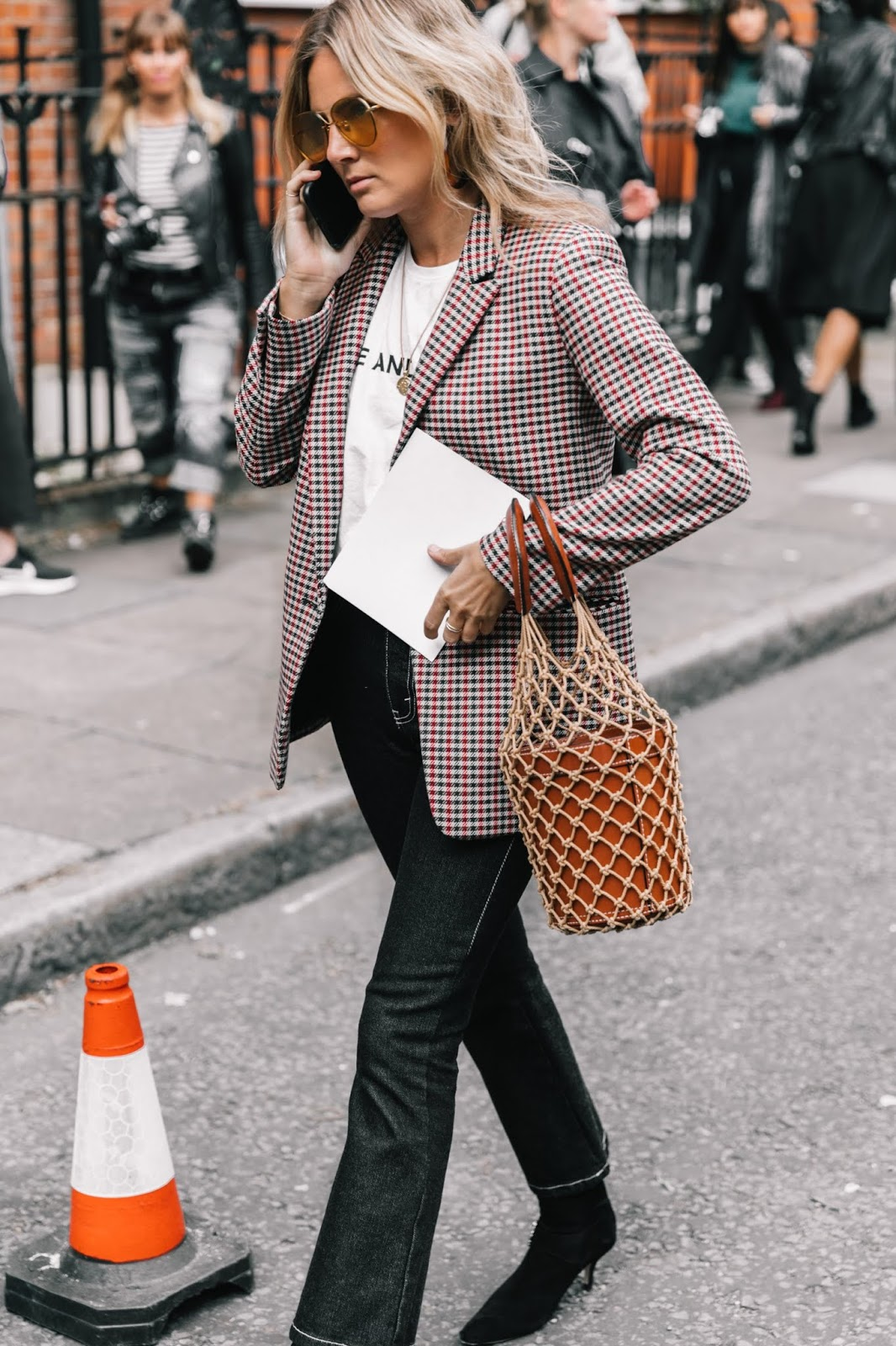 A Cool Way to Wear a Plaid Blazer for Fall — Lucy Williams Street Style