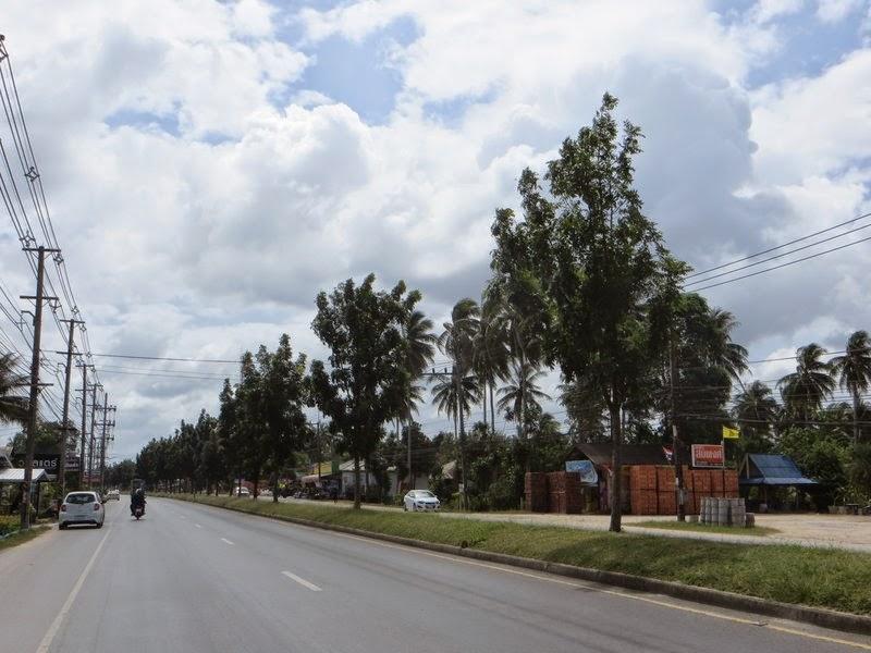 Пальмы, дорога, тойота, скутер